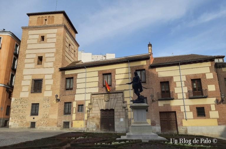 Torre y palacio de los Lujanes