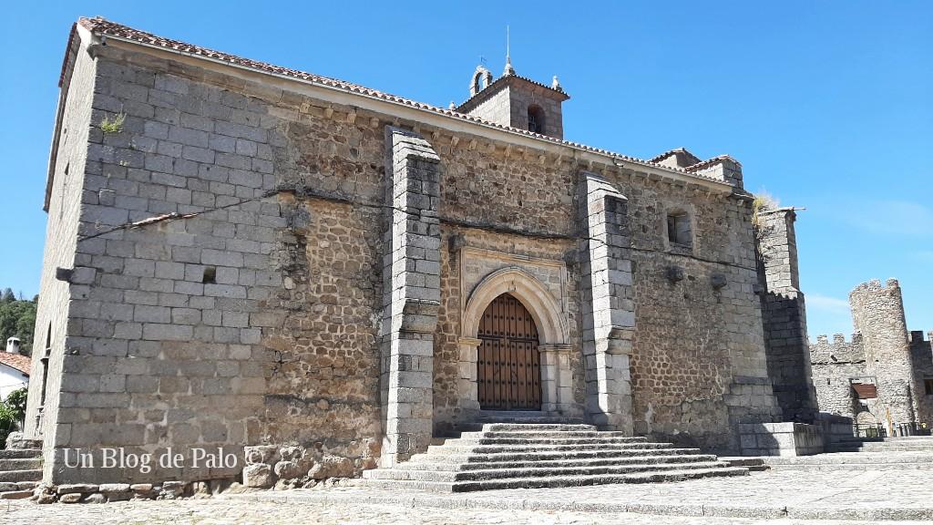 El exterior macizo de la iglesia