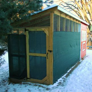 Minnesota-Hardy Chicken Coop Plans: Pictures and Drawing Included