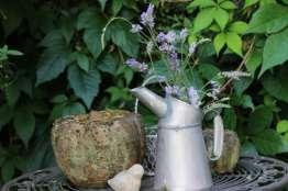 Broc en zinc devenu vase