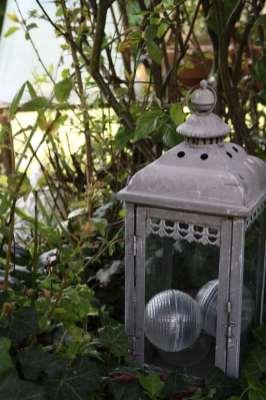 Lanterne au jardin