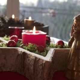 Centre de table en bois pour Noël.