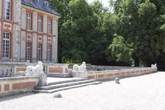 Parterre nord du château de Breteuil
