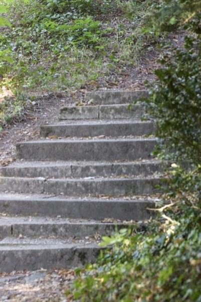 escaliers en contrebas du château