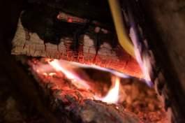 Un bon feu de cheminée pour une ambiance hygge