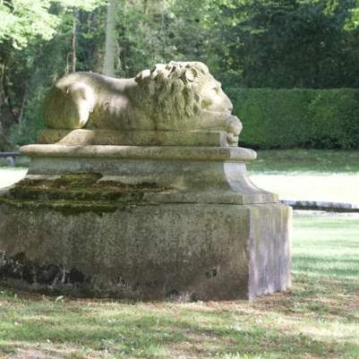 Le lion au château de Courances
