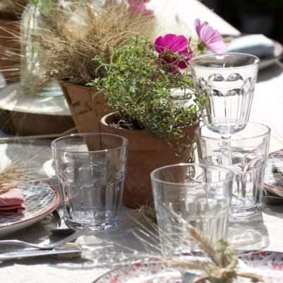 Réaliser une table d'été champêtre.