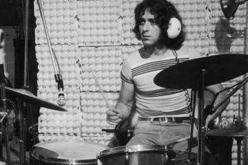 Jaki Liebezeit, crooner sans paroles.