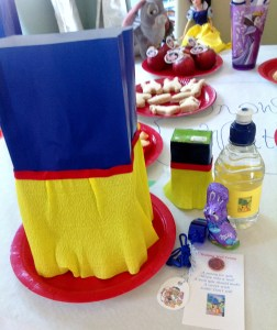 Snow White party place setting