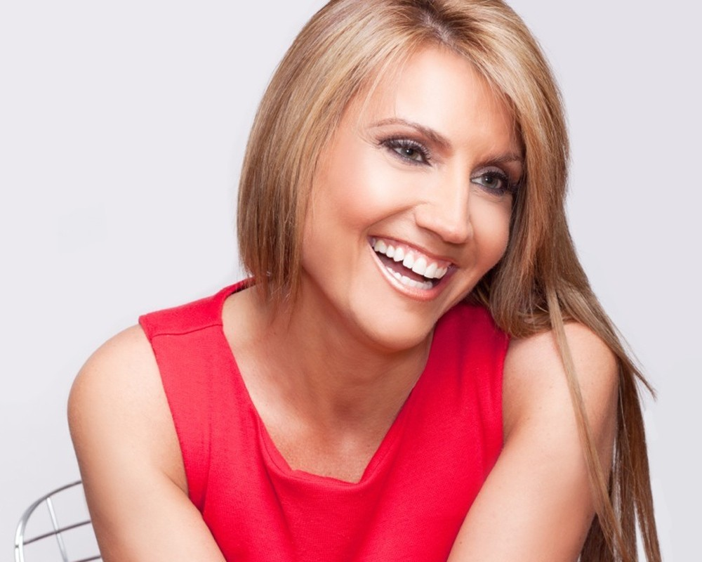Ep 223: Do You Like What You See When You Look in the Mirror? w/ Amilya Antonetti