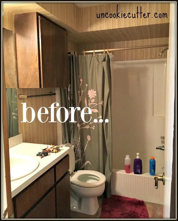 Walk In Seamless Entry Shower With Wood Grain Tile