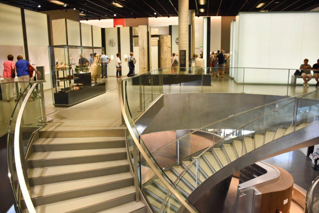 Intérieur du musée de la romanité Nimes_uncoupleenvadrouille_blogvoyage