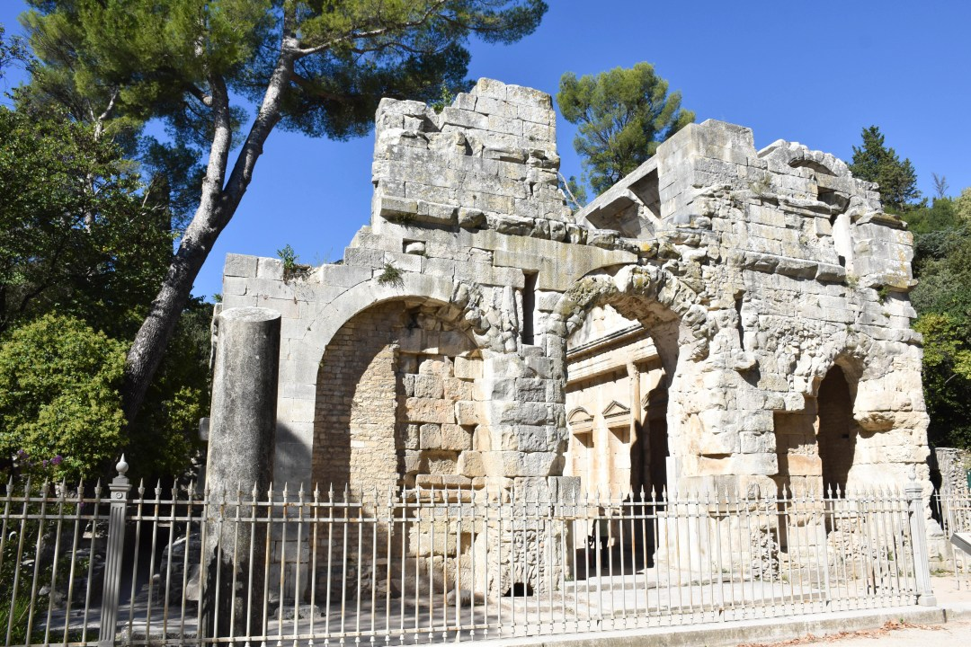 Temple de Diane aux jardins de la Fontaine à nimes