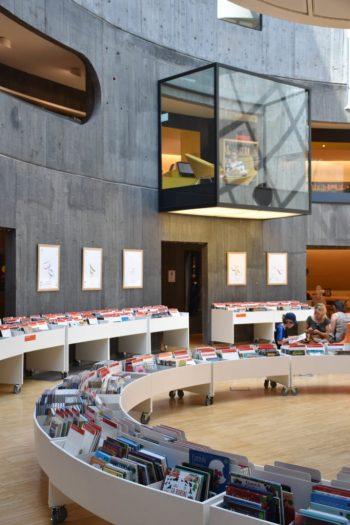 Intérieur Bibliothèque Oscar Niemeyer au Havre