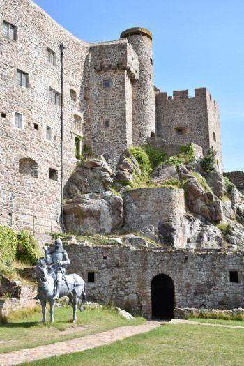 Château de Mont Orgueil à l'intérieur