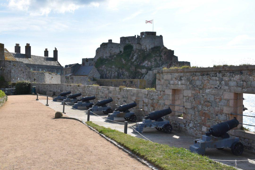 Les canons d'Elizabeth Castle de jersey