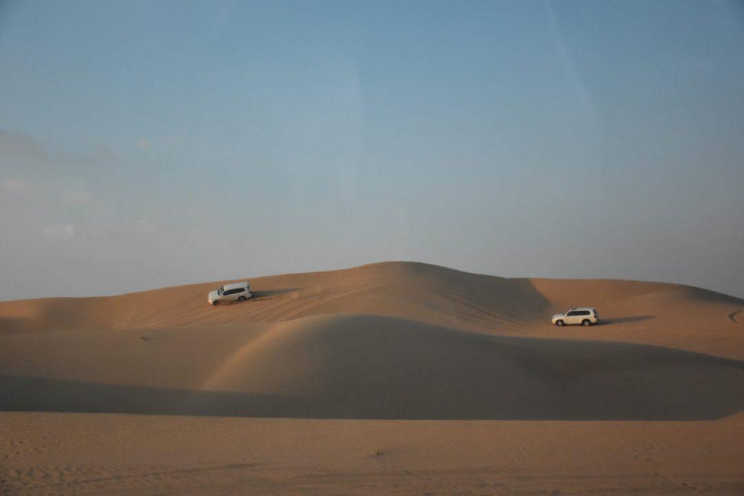 Voitures safari dans le désert de dubai