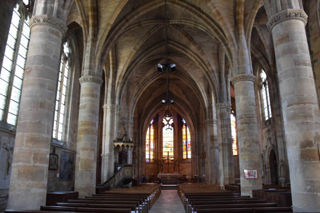 Intérieur église Place Saint Pierre de Bar le Duc