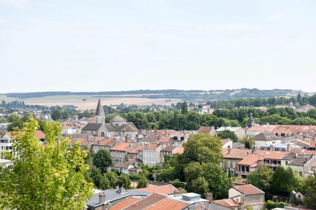 Vue sur Verdun depuis le centre mondial de la Paix