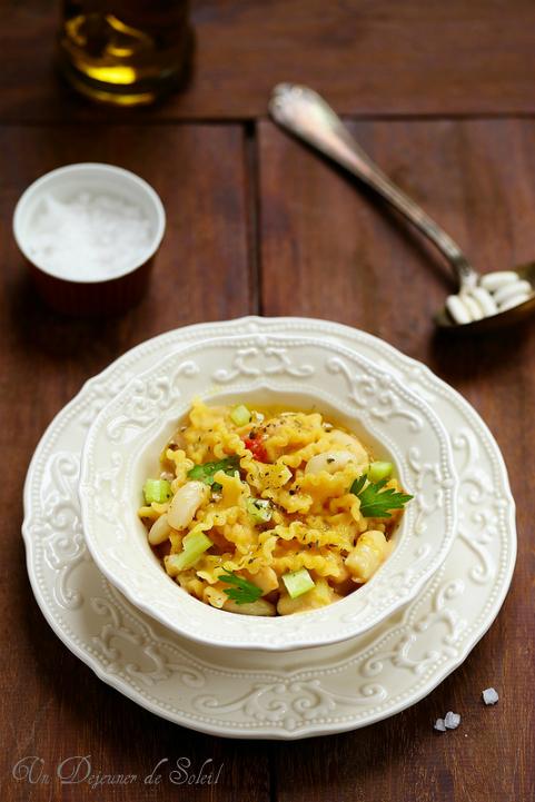 Pasta e fagioli napolitaine : soupe de pâtes et haricots cannellini
