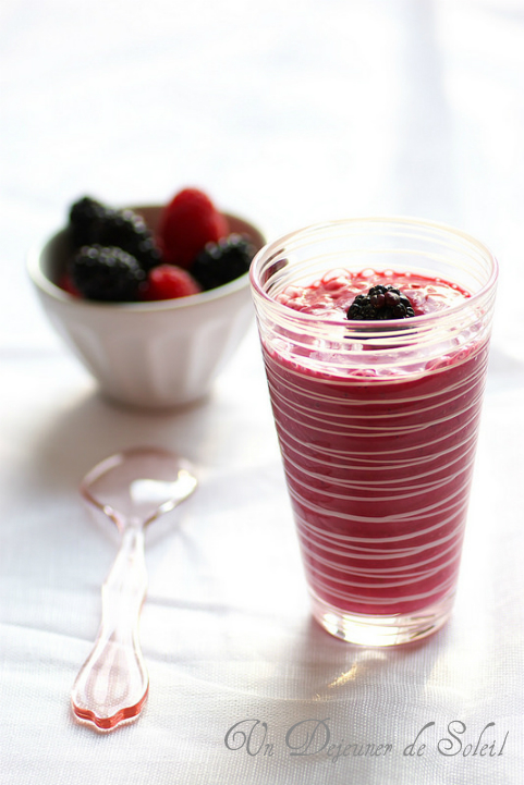 Smoothie aux framboises et aux mûres - Raspberry and blackberry smoothie