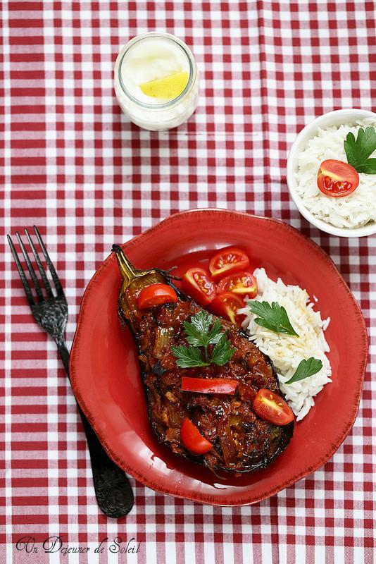 Aubergines farcies de viande à la turque (Karniyarik)
