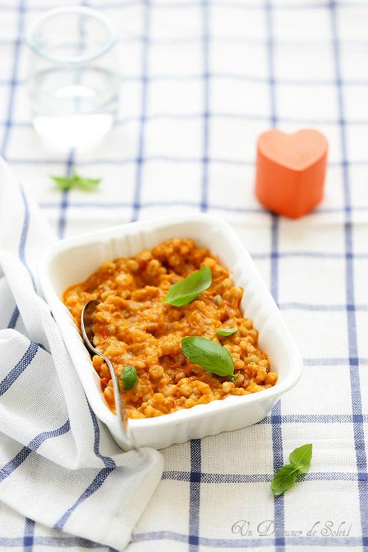 Trente recettes avec les courgettes. Purée courgettes, tomates et poisson (bébé)