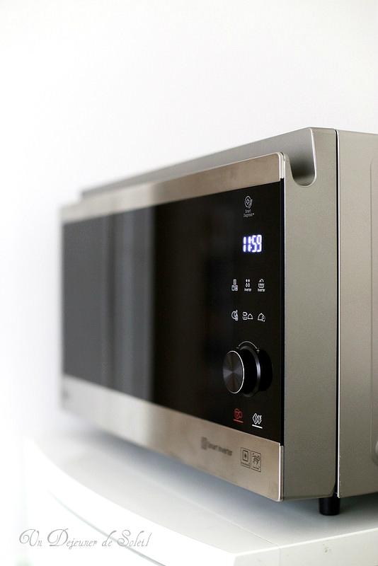 Gratin de pommes de terre revisité avec le four micro-ondes combiné LG Neochef