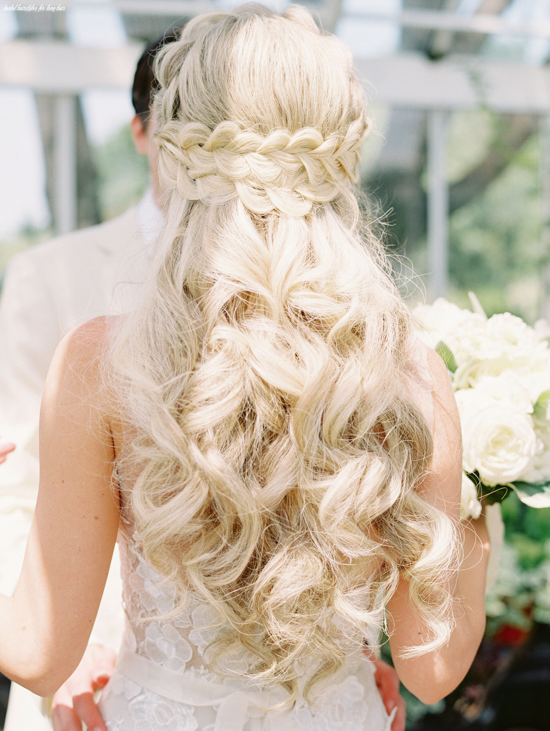 11 pretty wedding hairstyles for brides with long hair   martha
