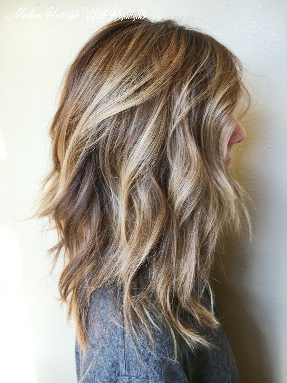 10 amazing medium length hairstyles & shoulder length haircuts 10 medium hairstyle with highlights