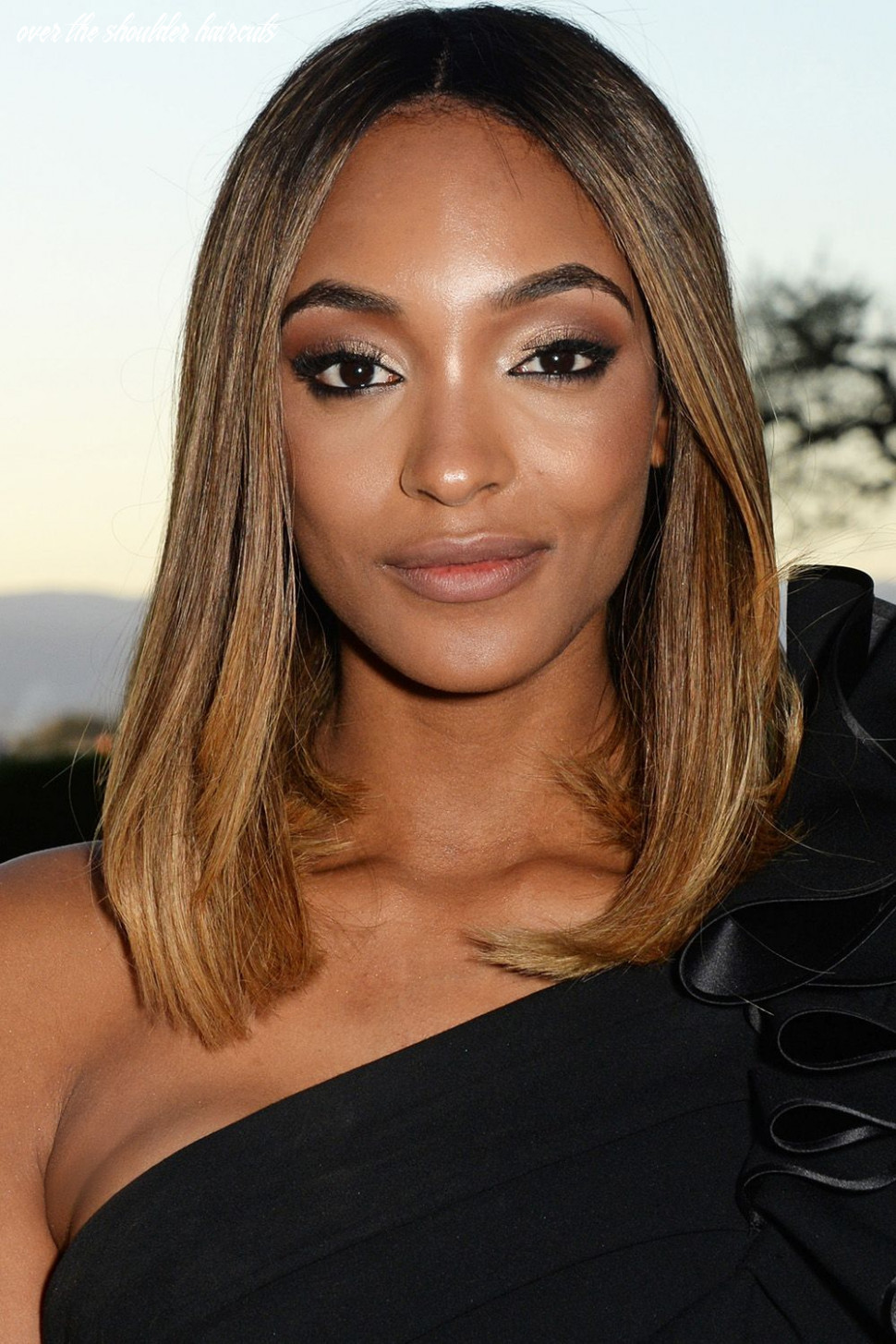 9 best medium hairstyles celebrities with shoulder length haircuts over the shoulder haircuts