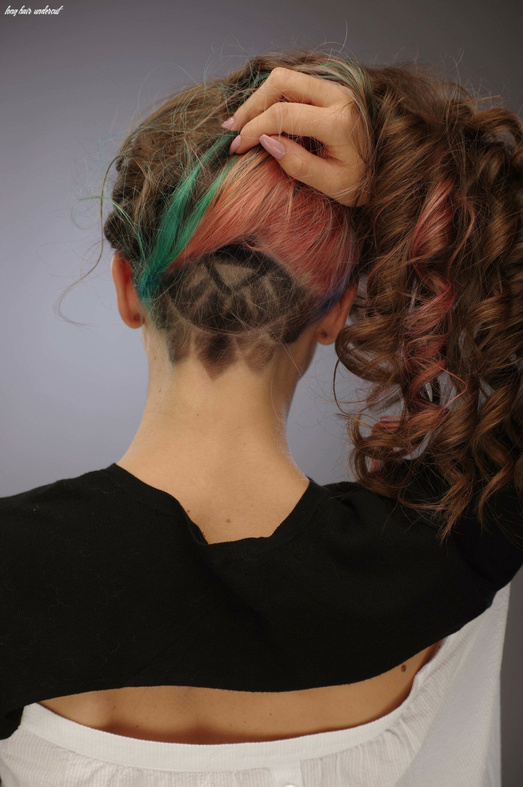 Undercut for women: the ideal way to manage thick and long hair long hair undercut