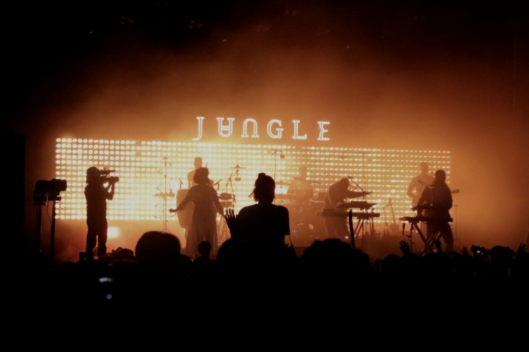 Jungle en concert à la route du rock 2018