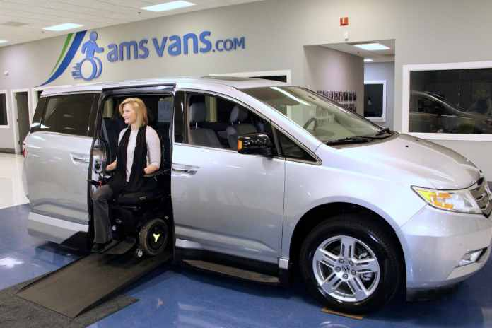 Aimee Copeland awards van to Athens college student