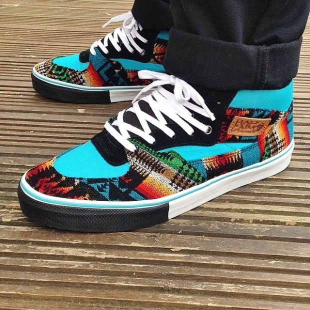 via IG! @retail_whore all the way from the UK, showing us his #allnationsskatejam x #pendleton Half Cabs.  RIDICULOUS!!! Thanks to @steviecab for allowing Todd and the #ANSJ to design this awesome Pendleton Half Cab!  #underthepalms #undrthplms #utp #nibwaakaawin