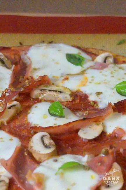 pizza chou fleur mozzarella speck champignon basilic