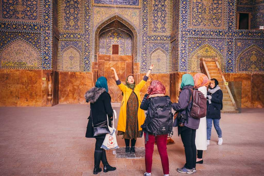 Nadia Badiee leads a female tour in Iran © | Damian Raggatt/Intrepid Travel