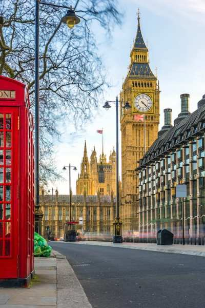 Support the female entrepreneurs of London by visiting these woman-owned businesses and historical sites © | ZGPhotography/Shutterstock