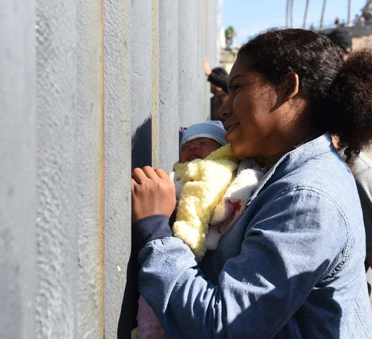 The Women Helping Asylum Seekers at the US-Mexico Border