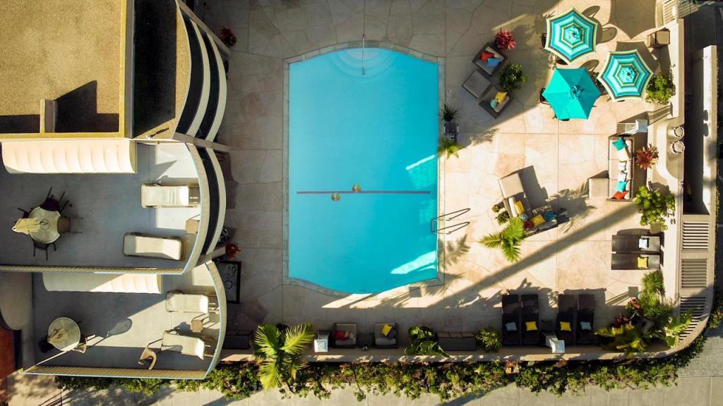 La Joia Inn Courtyard | © Courtesy of La Joia Inn