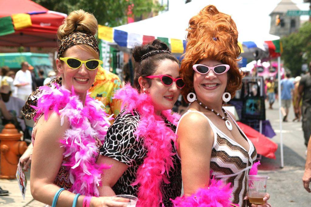 Margaret Swetz, Karen Condor, and Kim Tatum at Honfest 2011 | © Photo by Joe Soriero/Baltimore Sun (available under free, commercial use)
