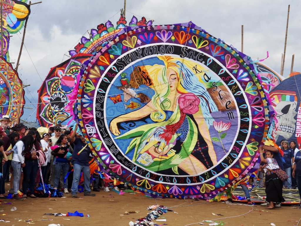 The Orquideas Oficial display their handmade kite at Guatemala's kite festival in Sumpango | © Nikki Vargas/Unearth Women