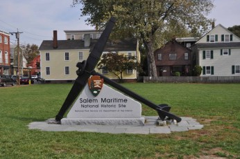 Boston et Salem - 00112