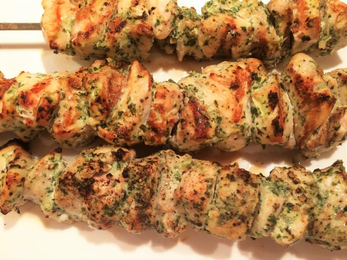 Kebabs de poulet aux herbes