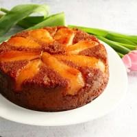 Gâteau aux poires caramélisées à l'érable