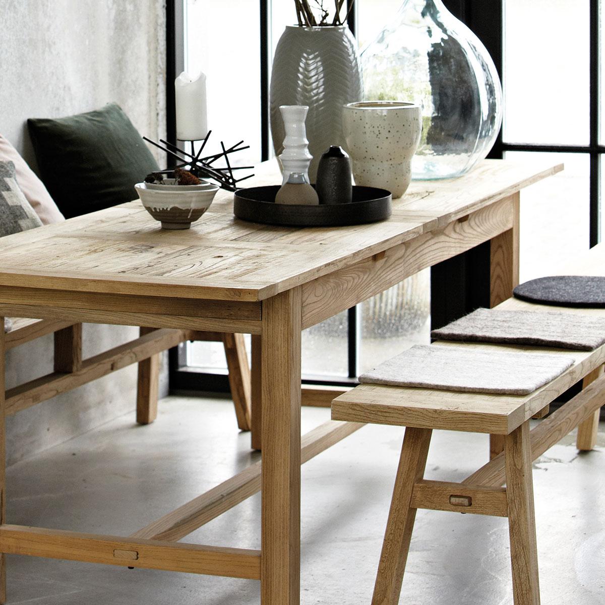 Table à chevrons façon japandi