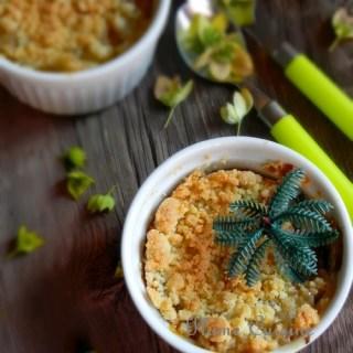 crumble-antillais-ananas-rhum-raisin