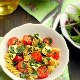 Salade de pâtes tomates et mozzarella