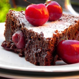 Gâteau chocolat-cerises au rhum