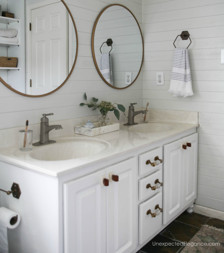 Popular Find out How to Transform a Builder Grade Bathroom Vanity for LESS A few simple changes can dramatically change the feel of the entire bathroom